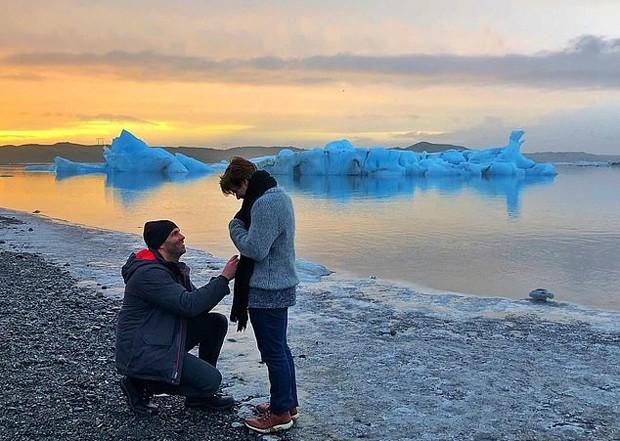 Garrett Clayton e Blake Knight  ficam noivos (Foto: Reprodução/Instagram)