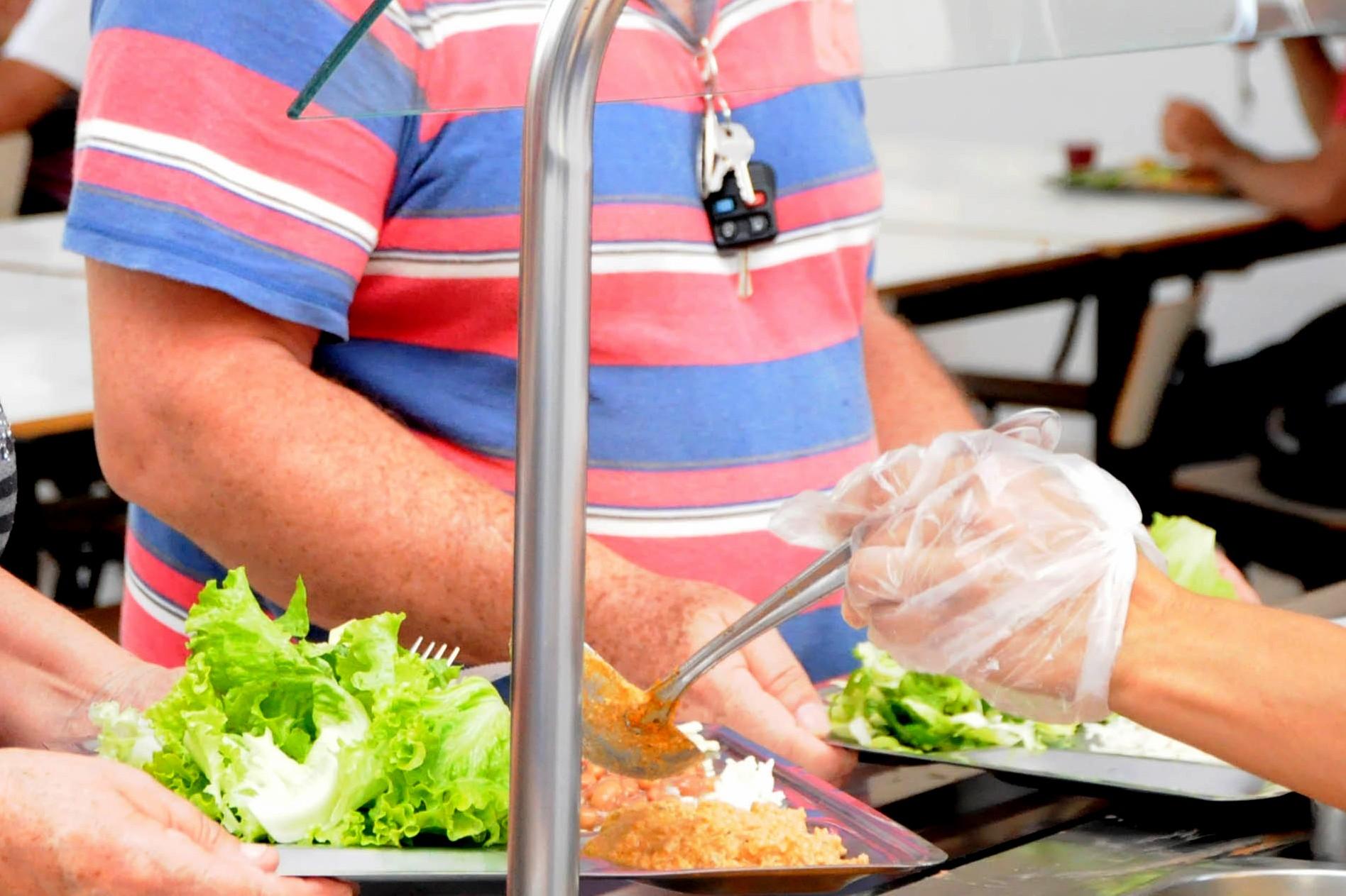 Restaurantes Populares retomam atendimento ao público após dois anos, em Toledo