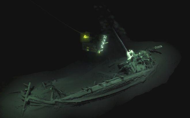 Navio naufragado há 2,4 mil anos foi descoberto graças a um projeto para mapear águas profundas, onde não há oxigênio (Foto: BLACK SEA MAP/EEF EXPEDITIONS)