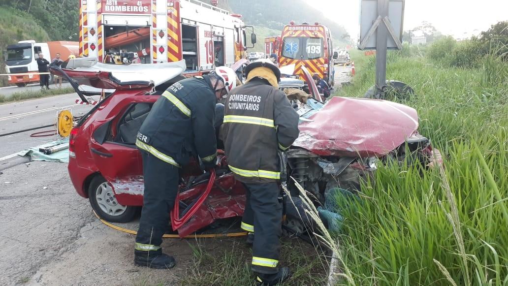 Acidente com dois carros provoca morte e deixa feridos na BR-470 em Gaspar