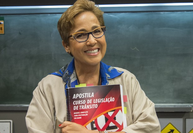 Claudia Jimenez caracterizada como Bibiana, sua personagem em Infratores (Foto: Estevan Avellar/TV Globo)