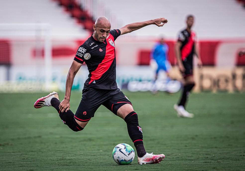 Dudu em ação pelo Dragão — Foto: Heber Gomes/Atlético-GO