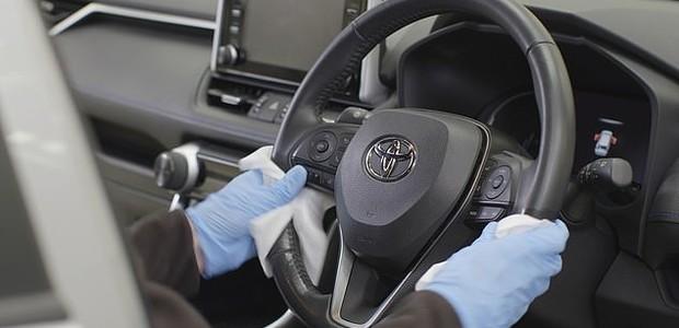 Volante Limpeza (Foto: Toyota)