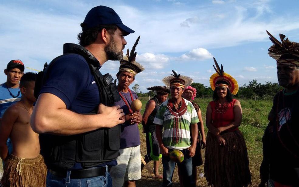 Policiais foram até fazenda ocupada por indígenas na cidade de Itapetinga  (Foto: Divulgação/ Polícia Civil )