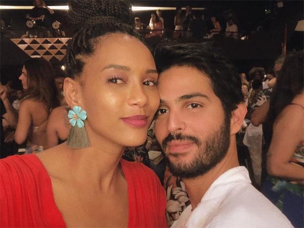 Taís Araújo com André Nicolau (Foto: Reprodução/Instagram)