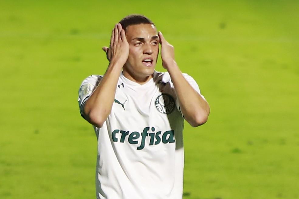 Marcelinho, atacante do Palmeiras, no jogo contra o Goiás — Foto: MARCOS SOUZA/NASCIMENTOSOUZAPRESS/ESTADÃO CONTEÚDO