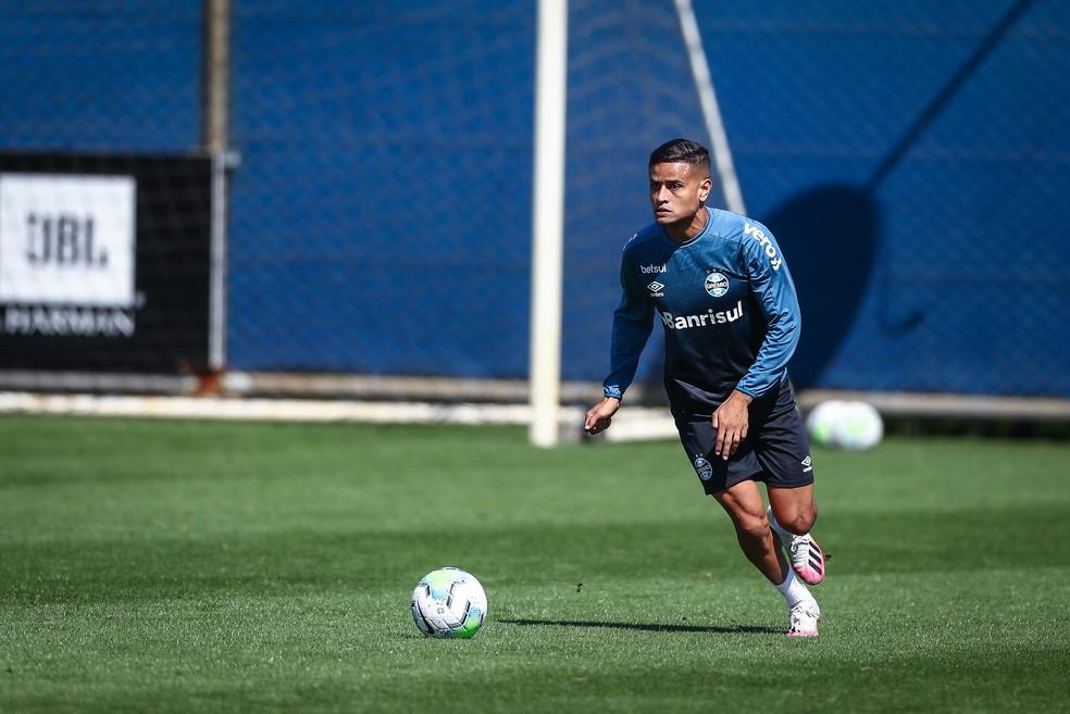 Everton volta a ser opção no Grêmio — Foto: Lucas Uebel/Divulgação Grêmio