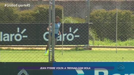 Em recuperação, Jean Pyerre faz 1º trabalho com bola; treino ainda tem papo entre Romildo e Renato