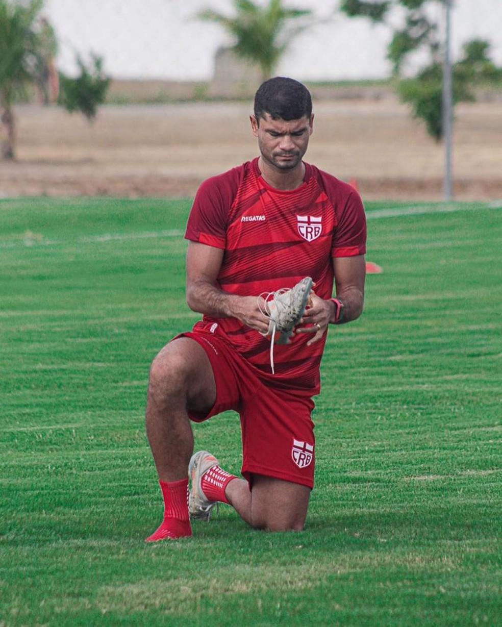 Zagueiro Gum faz parte do elenco do CRB — Foto: ASCOM CRB