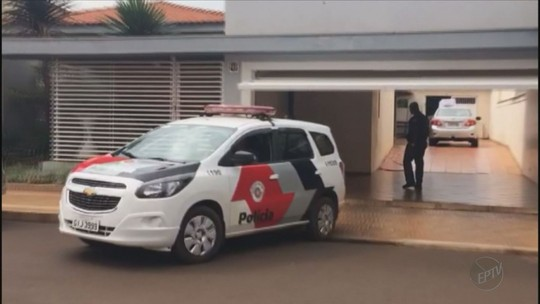 Gaeco cumpre mandados de prisão na quarta fase da Operação Cartas em Branco em Miguelópolis, SP