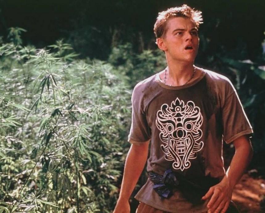 O ator Leonardo DiCaprio em cena de A Praia (2000) (Foto: Reprodução)
