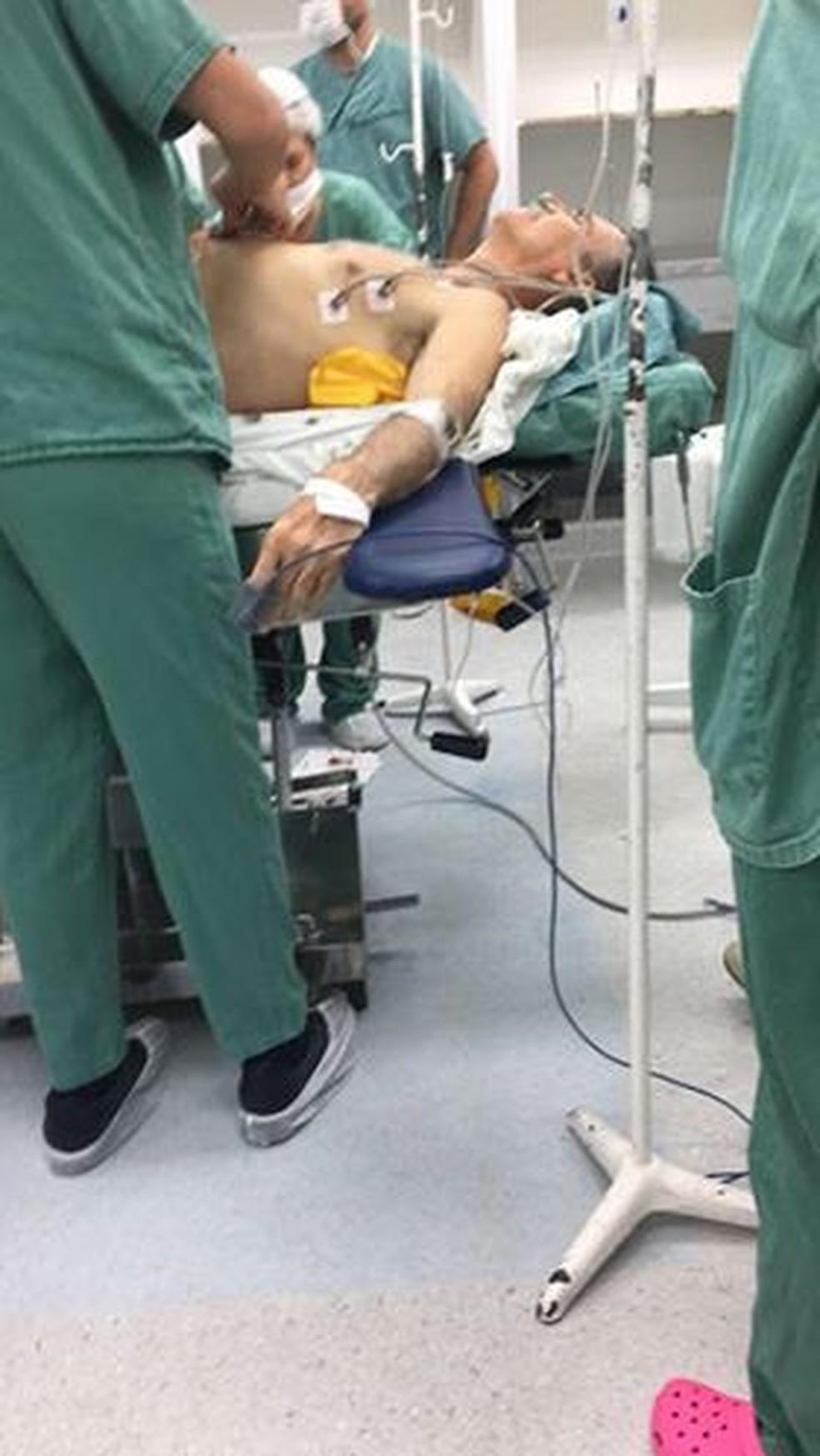 Bolsonaro em hospital em Juiz de Fora (Foto: G1/G1)