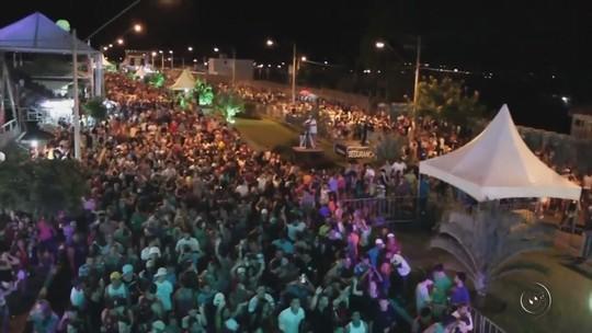 Banda Axékebom comanda pré-carnaval em Magda