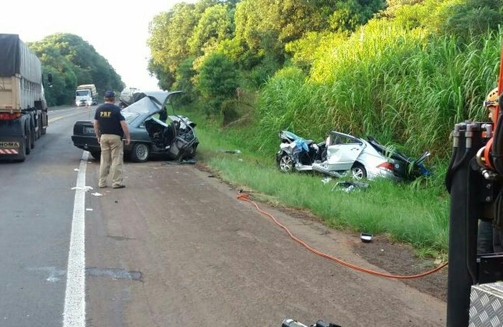 Seis pessoas ficaram feridas no acidente, conforme a PRF (Foto: Divulgação/PRF)
