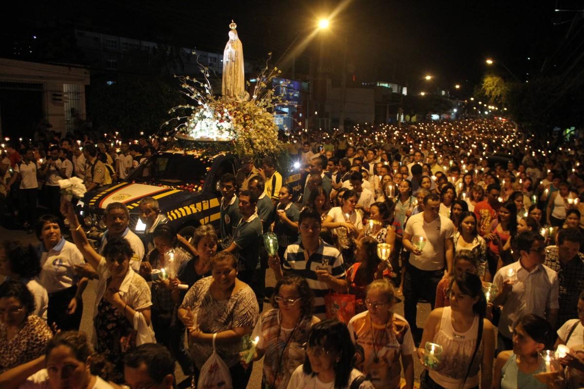 Procissão Luminosa percorre as ruas de Belém nesta quinta