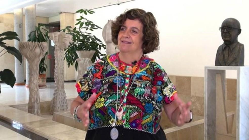 Valeria Souza é considerada uma das maiores especialistas no ecossistema de pântano — Foto: Unam/BBC