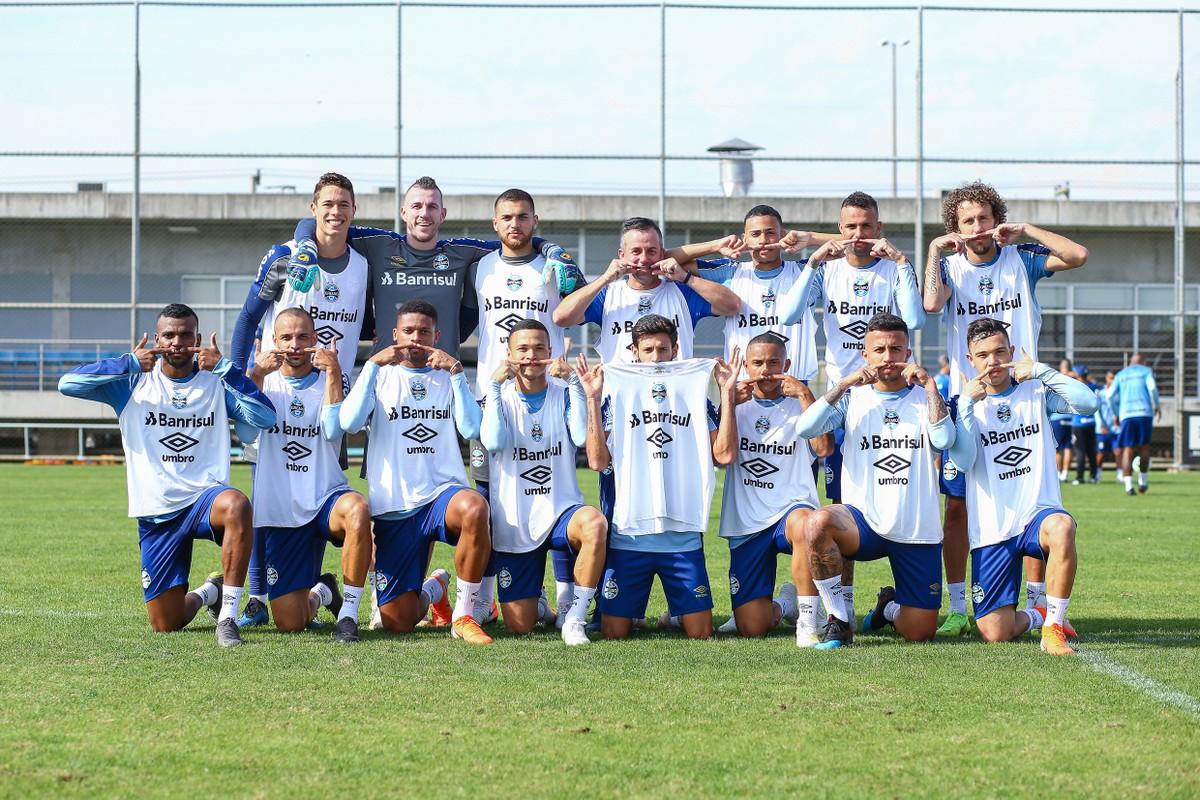 De olho na Copa do Brasil, Grêmio ensaia time misto e terá dupla de zaga  inédita contra o Vasco | grêmio