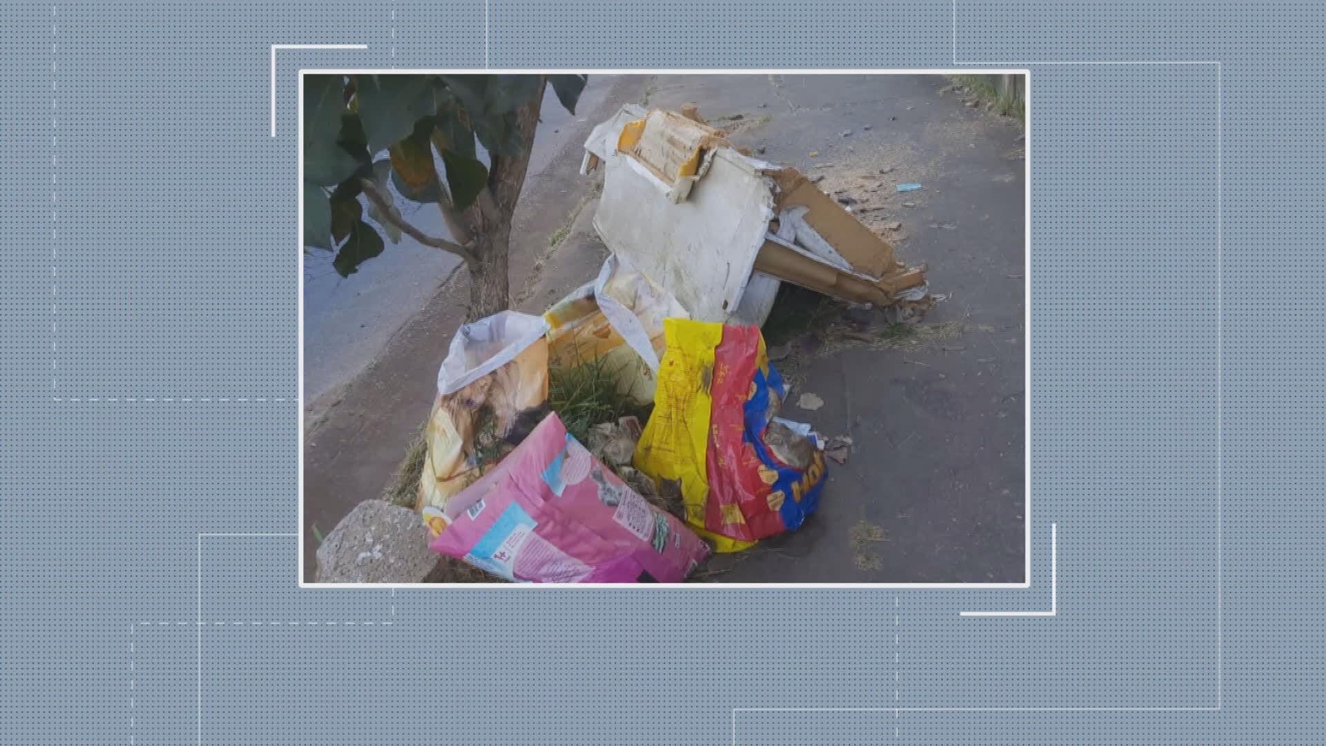 Moradores de BH reclamam de lixeiras estragadas, entulho e bota-fora irregular