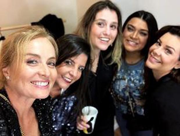 Angélica com Preta Gil, Fernanda Souza e amigas  (Foto: Reprodução/Instagram)