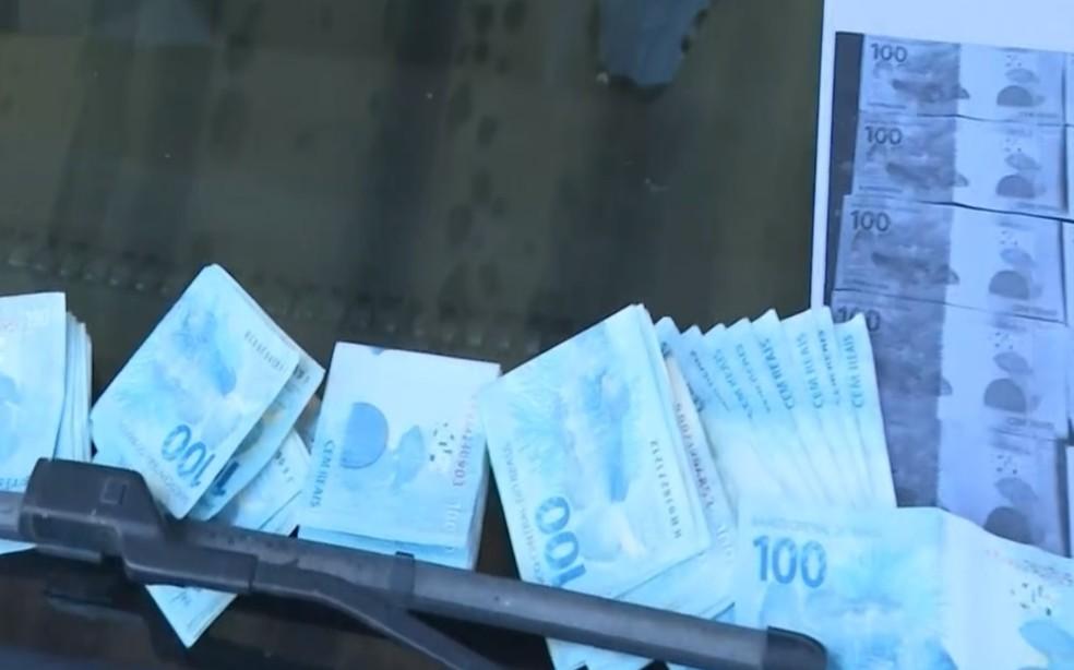 Família tirou fotocópias do dinheiro antes de pagar resgate do garoto e polícia confirmou envolvimento de suspeito flagrado em Simões Filho — Foto: Reprodução/TV Bahia