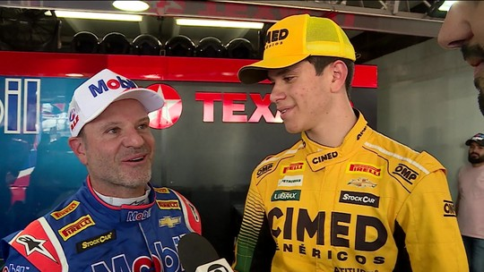 Rubens Barrichello conversa com Marcel Coletta, piloto mais jovem da história da Stock Car