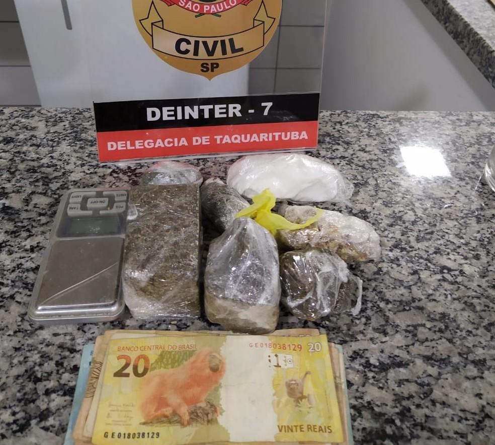 Grupo é detido suspeito de tráfico de drogas em Taquarituba  — Foto: Polícia Civil/Divulgação