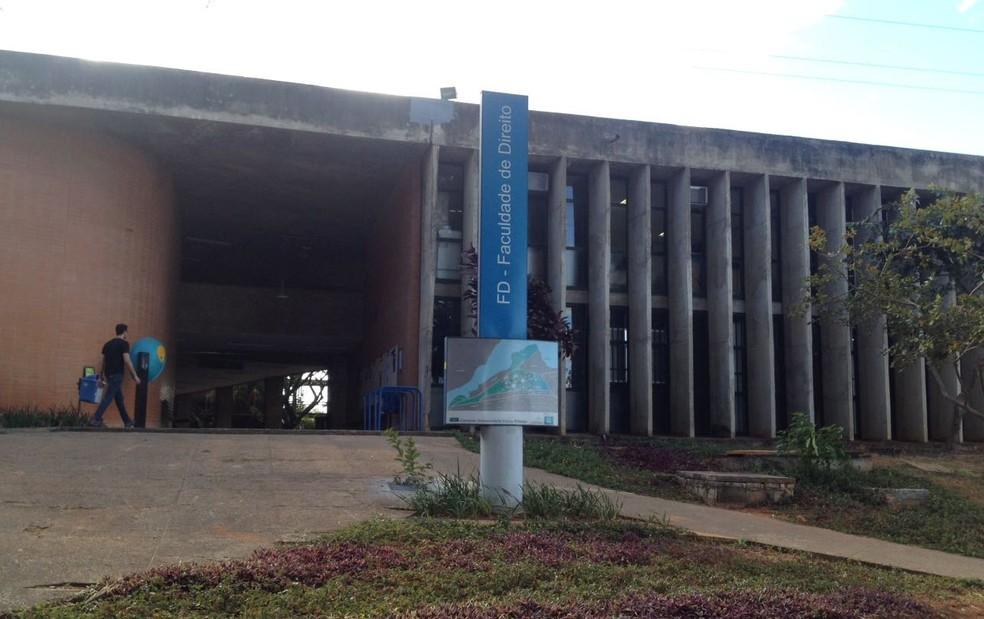 Fachada do prédio da Faculdade de Direito da Universidade de Brasília (Foto: Bianca Marinho/G1)