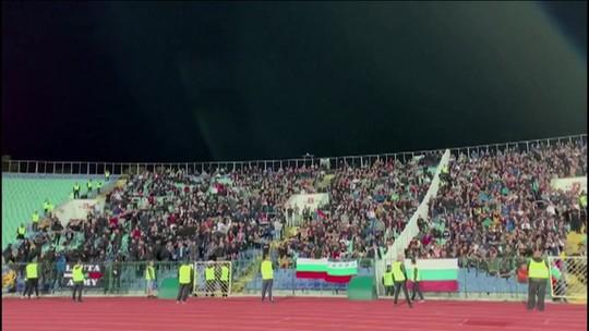 Torcedores búlgaros praticam racismo no jogo contra a Inglaterra pelas Eliminatórias da Eurocopa