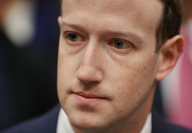 Mark Zuckerberg, CEO do Facebook, fala a deputados nos EUA (Foto: Chip Somodevilla/Getty Images)