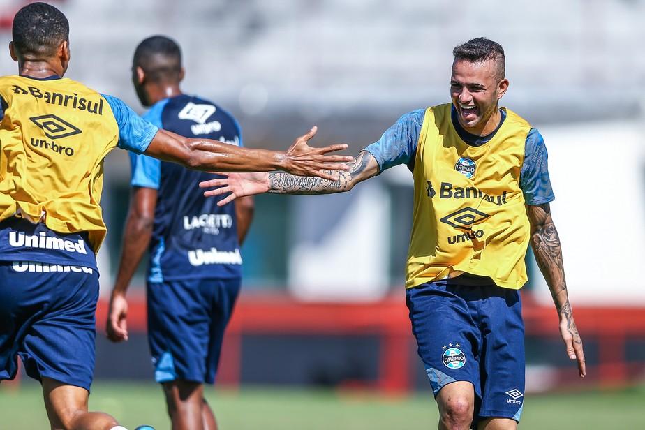Clima leve: Grêmio disputa rachão em último treino antes de pegar o Vasco