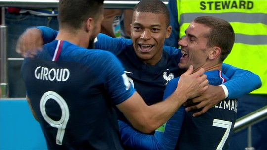 Pogba rouba a bola de Guerrero, e Mbappé faz o gol da França; veja