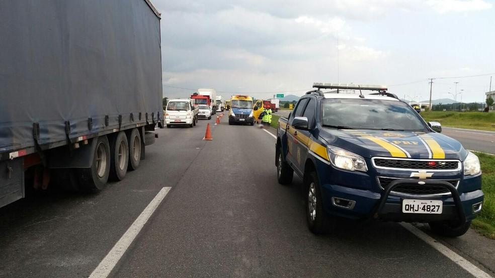 Homem morreu após ser atropelado na BR-116, de acordo com a PRF (Foto: Divulgação/PRF)