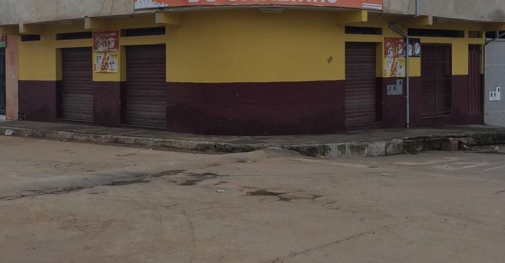 Crime foi em um bar no Bairro Manoel Maia (Foto: Tiago Borges/ Inter TV)