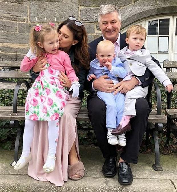 Hilaria, Alec e os filhos (Foto: Reprodução/Instagram)