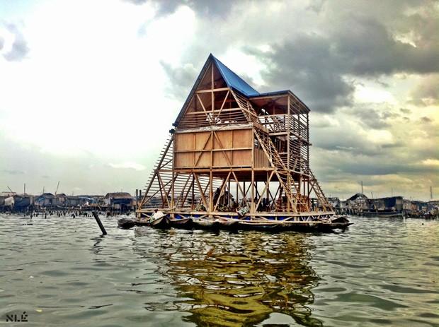 """Imagem do episódio """"Working on Water"""", da série """"Rebel Architecture"""", da Al Jazeera (Foto: Al Jazeera / Divulgação)"""