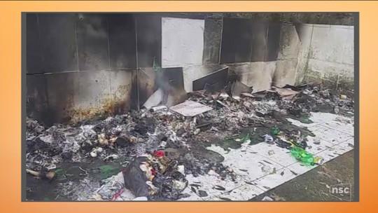 Seis contentores de lixo são queimados no bairro Monte Serrat
