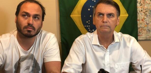 O vereador Carlos Bolsonaro e o pai, o presidente Jair Bolsonaro