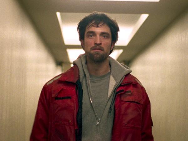 """Robert Pattinson muda de visual para o filme """"Good Times"""" (Foto: Divulgação)"""