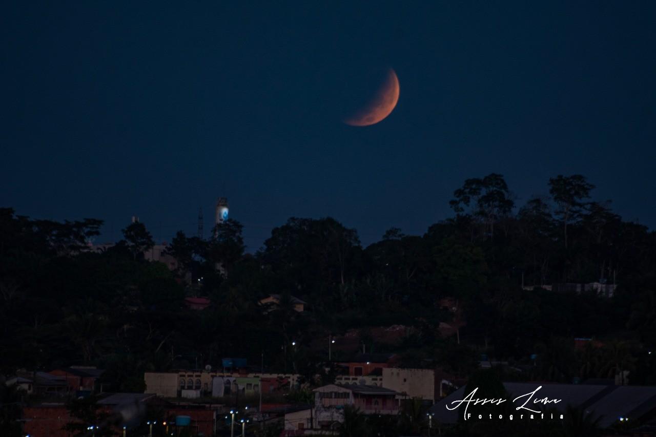 FOTOS: 'Superlua' é vista no céu do Acre; eclipse lunar ocorre na manhã desta quarta