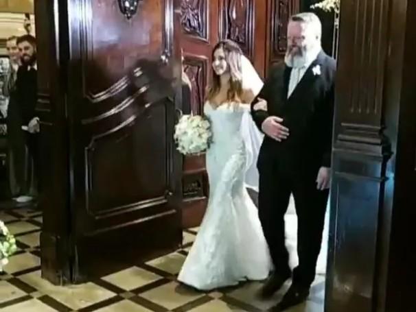 Tamy Contro entrando na igreja (Foto: Reprodução: Instagram)