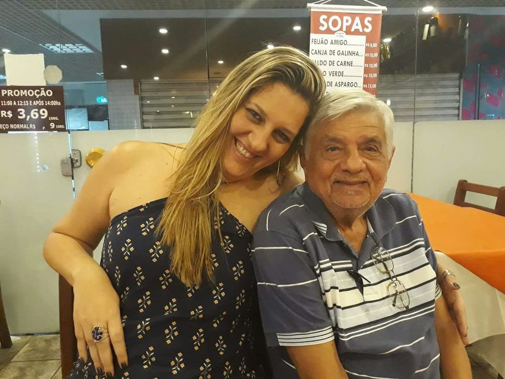 Eva, de Petrópolis, RJ, diz que o professor Maurício Barroso a incentivou a acreditar que conseguiria ingressar em uma faculdade pública (Foto: Eva Maricato | Arquivo Pessoal)