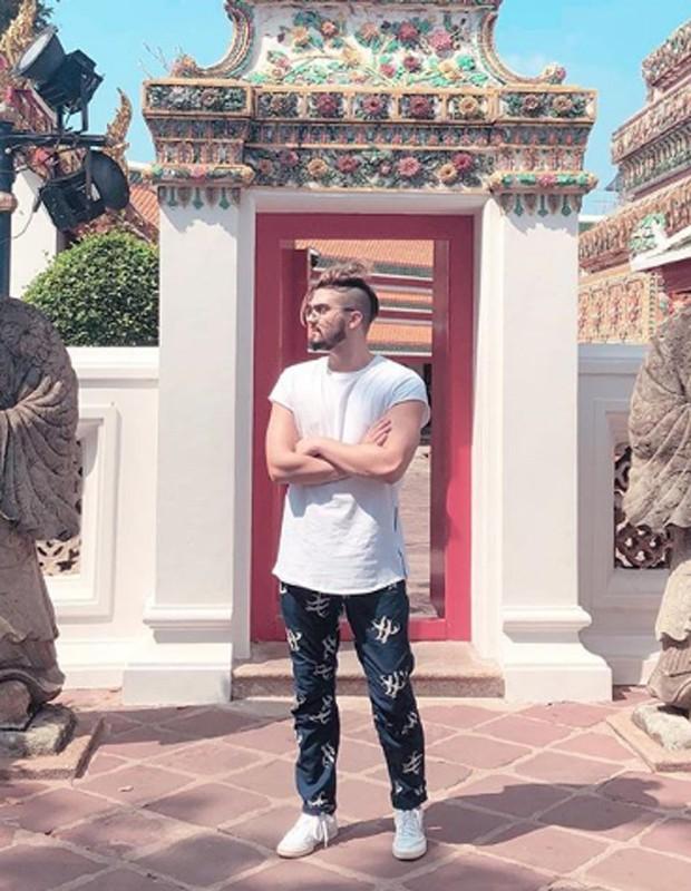 Luan Santana no templo tailandês Wat Pho (Foto: Reprodução/Instagram)