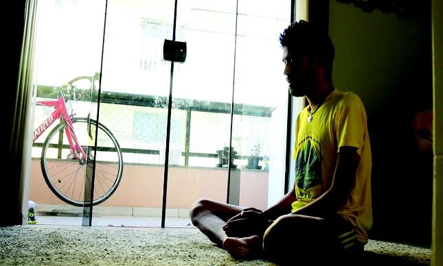 Ilsinho pratica yoga como parte do treinamento e recuperação