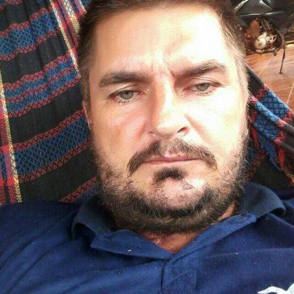 Marido de suspeita, Flordinaldo Kister, trabalhava como mecânico (Foto: Facebook/Reprodução)