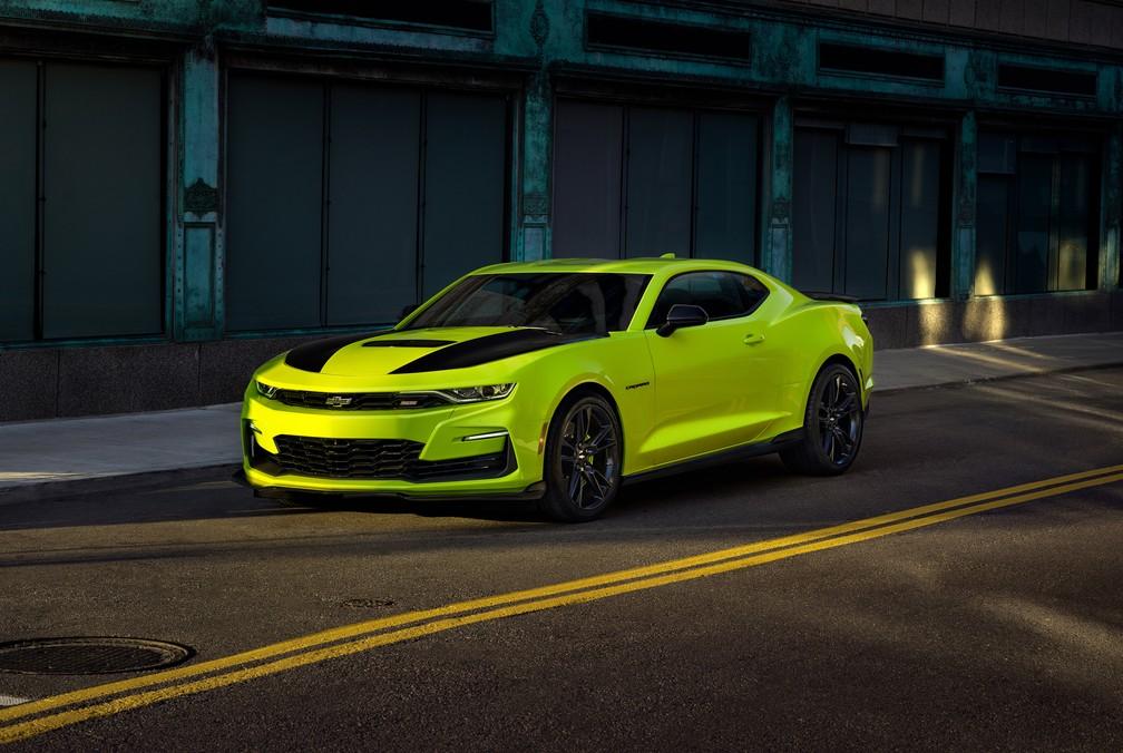 Chevrolet Camaro na cor 'amarelo persa' — Foto: Divulgação