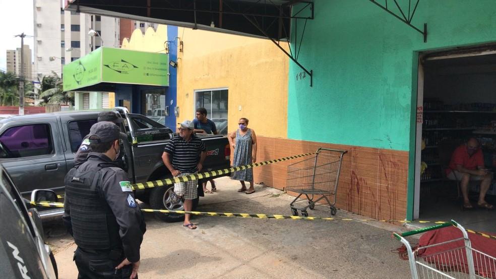 Comerciante foi morto durante assalto em mercadinho de Nova Parnamirim, em Parnamirim, na Grande Natal.  — Foto: Geraldo Jerônimo/Inter TV Cabugi