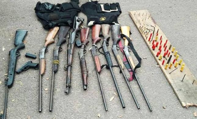 Armas apreendidas durante ação da polícia no estado do Pará que deixou dez mortos