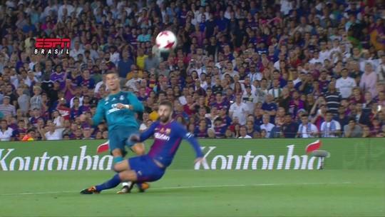 "Preferência internacional: CR7 marca no Barça, é expulso e leva ""pintura"""