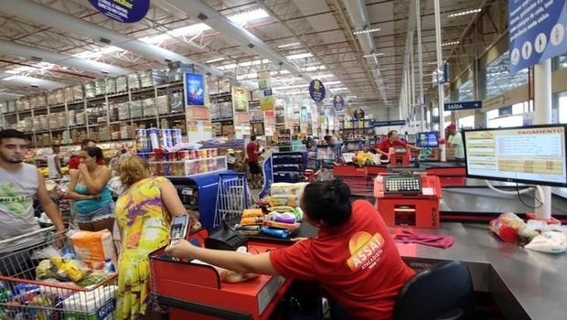 Visão geral de uma loja Assai, divisão de atacarejo da varejista brasileira GPA SA, em São Paulo - supermercado (Foto: Paulo Whitaker/Reuters)