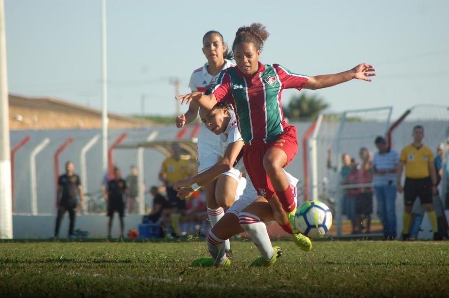 São Paulo x Fluminense feminino de base pode ser impugnado após erro de árbitro e possível fraude em súmula